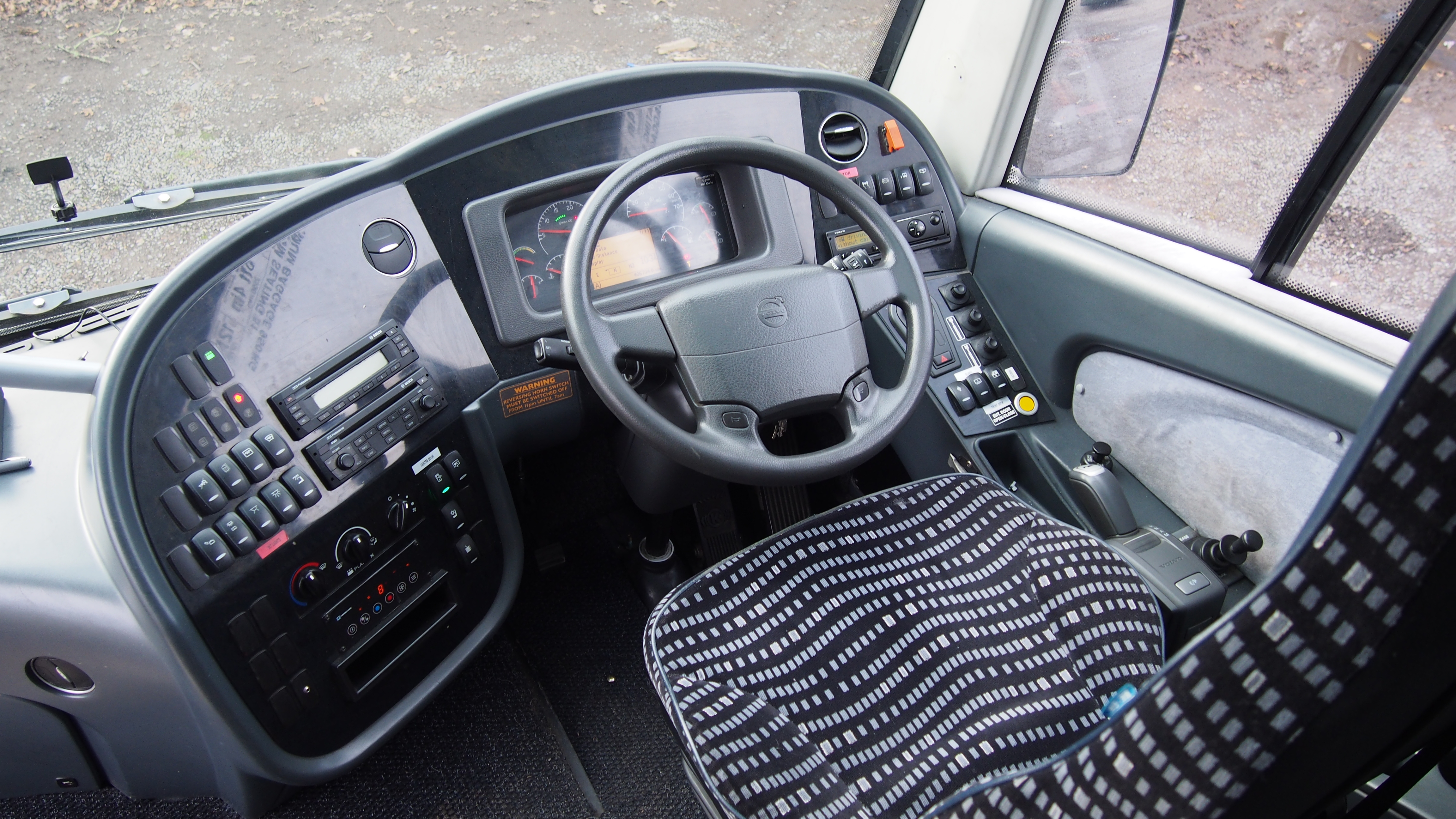 2012 Volvo B9R Plaxton Elite 12.6m-image7