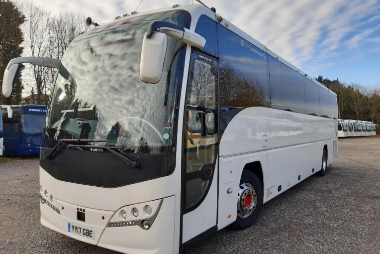 YY17GBE-2017 Plaxton Panther- Volvo B8R-1