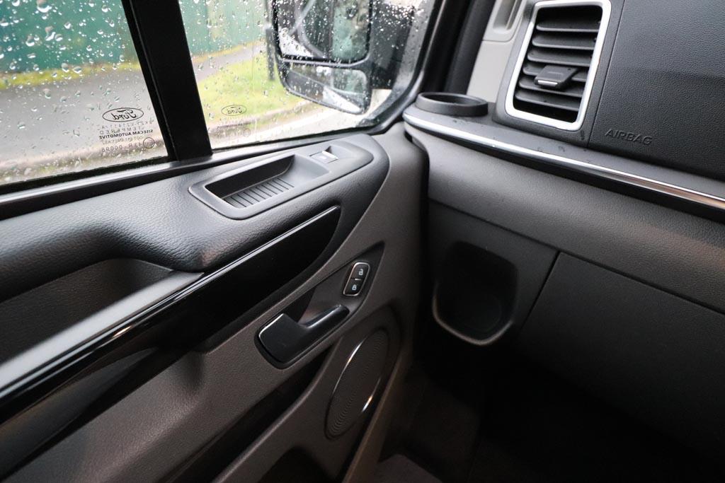 68 Plate Ford Tourneo Custom Titanium 8 Seat - Image 9