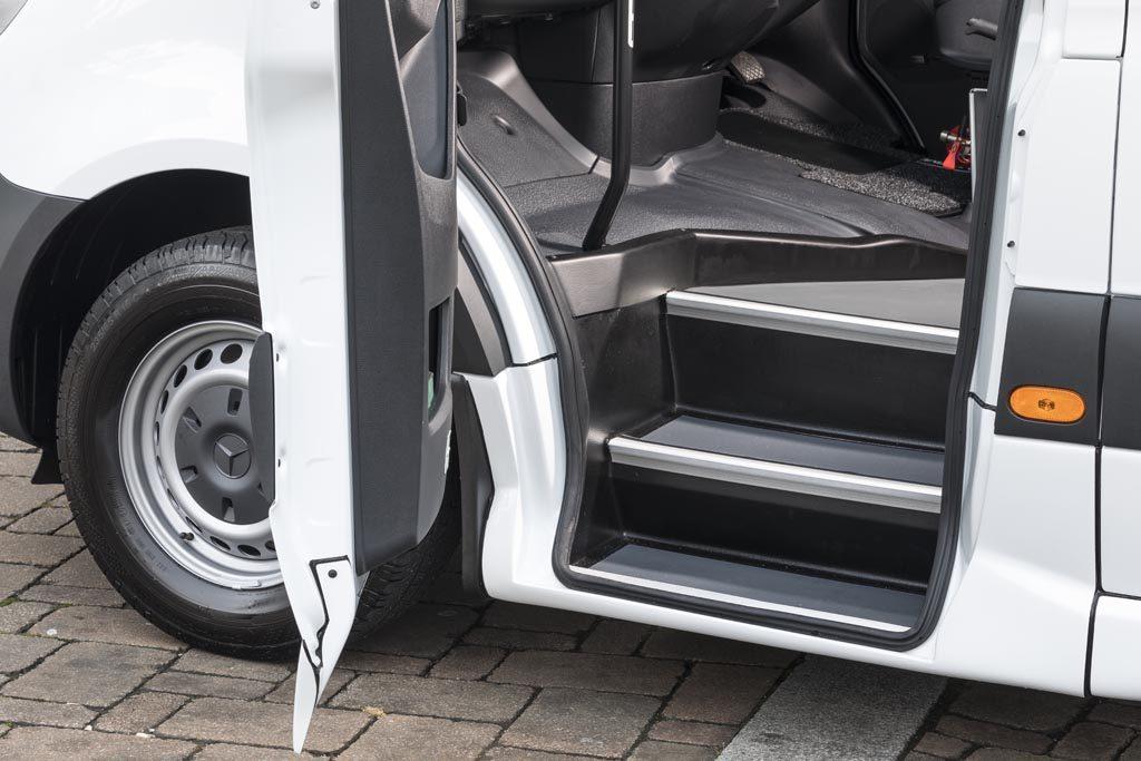 Mercedes Sprinter 13+D Trend - Image 6