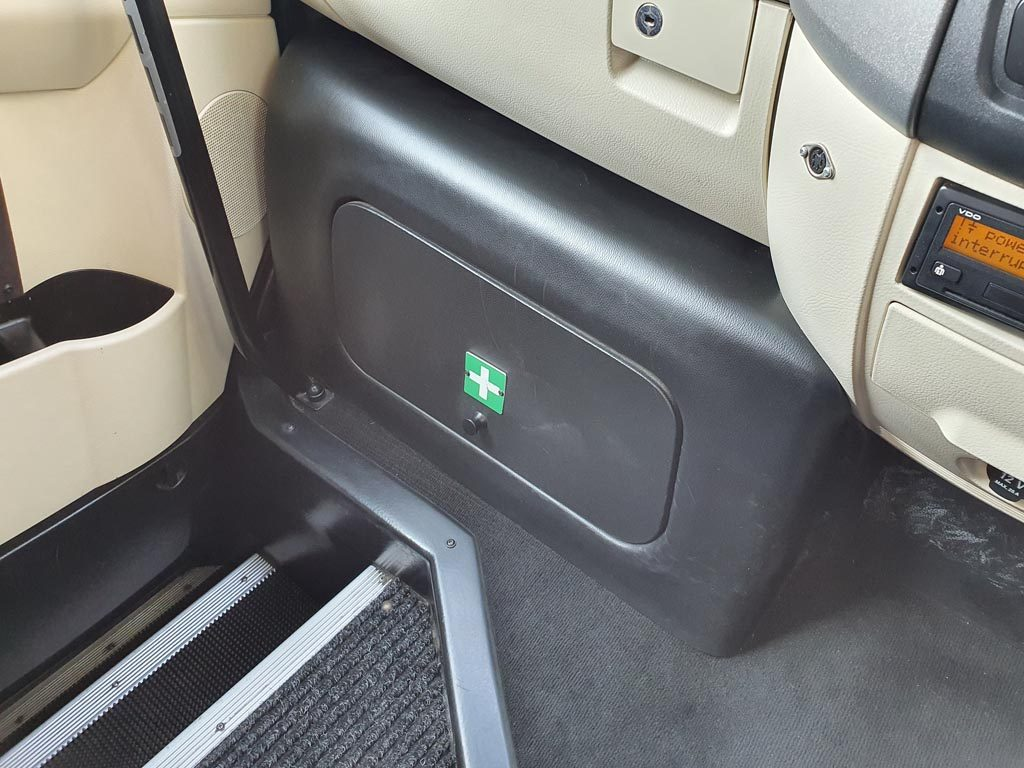2017 Mercedes Sprinter 22 Seat Mini Coach - Image 9