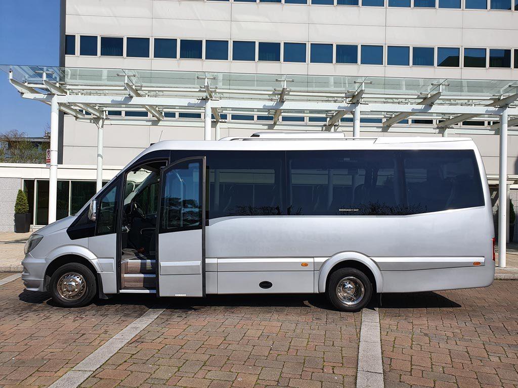 2016 – EVM Grand Tourer 19+G Mini Coach - Image 1