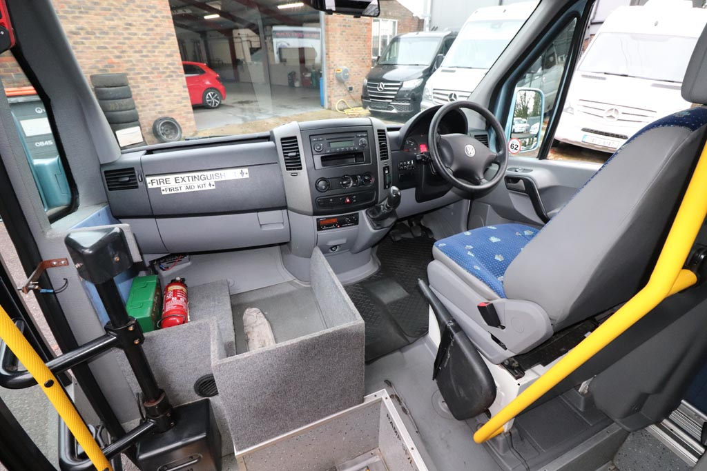 2008 VW Crafter Low Floor 15 Seat - Image 7