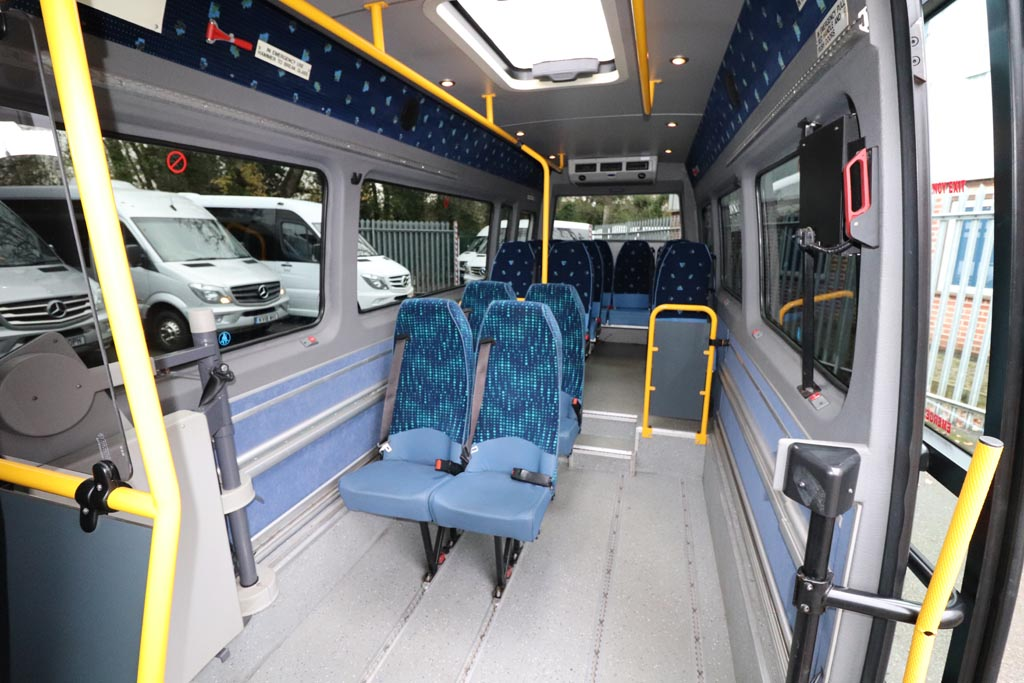 2008 VW Crafter Low Floor 15 Seat - Image 9