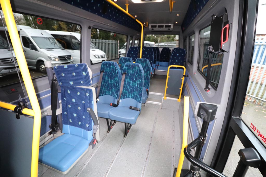 2008 VW Crafter Low Floor 15 Seat - Image 2