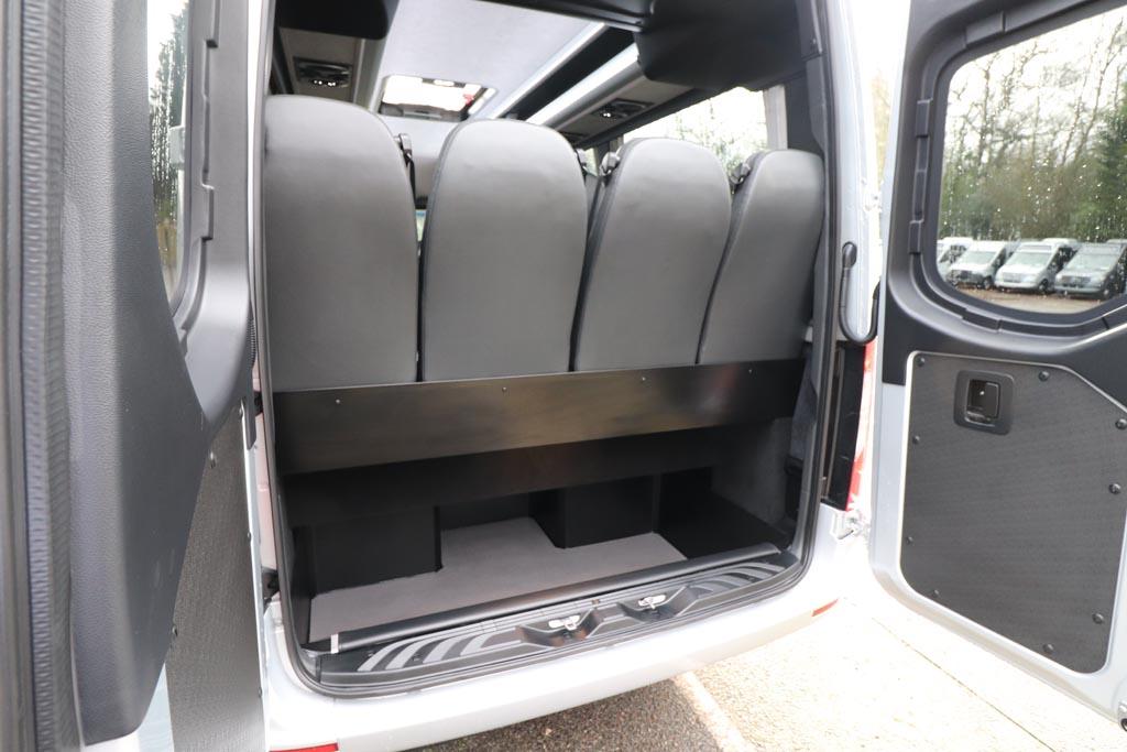 New Mercedes 22 Seat Avantgarde Silver - Image 9