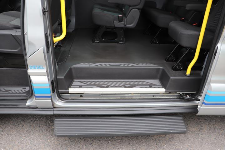 2015 Ford Transit 16 Seat Minibus - Image 2