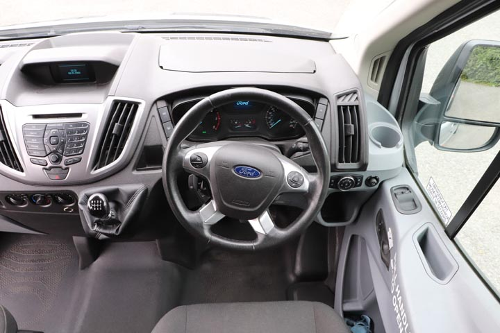 2015 Ford Transit 16 Seat Minibus - Image 8