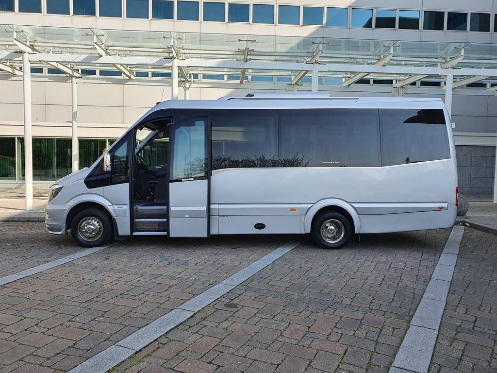 2018 – EVM Grand Tourer 19+G Mini Coach - Image 2