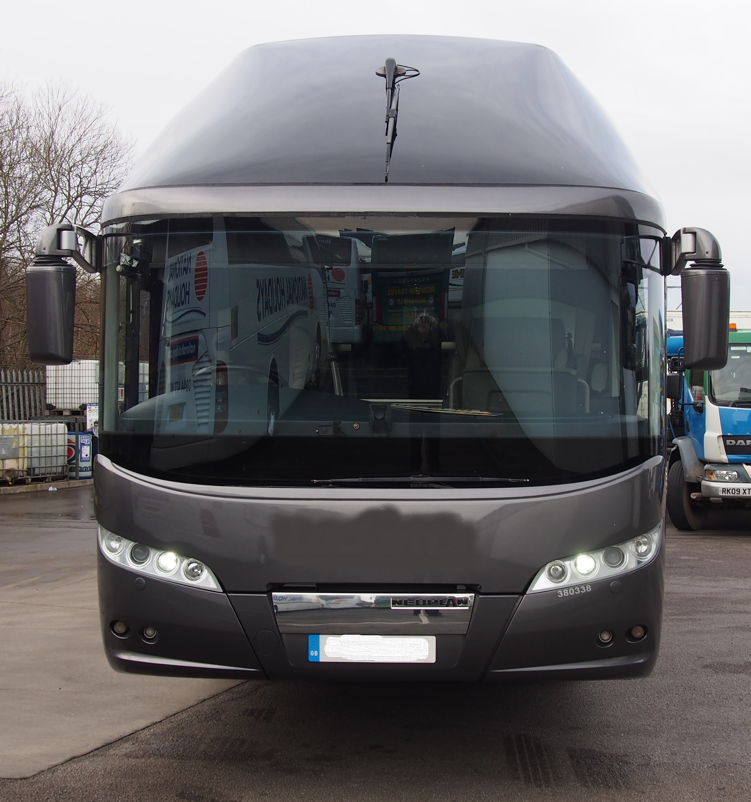 2013 MAN Neoplan Starliner � Full Team Coach Specification-image4