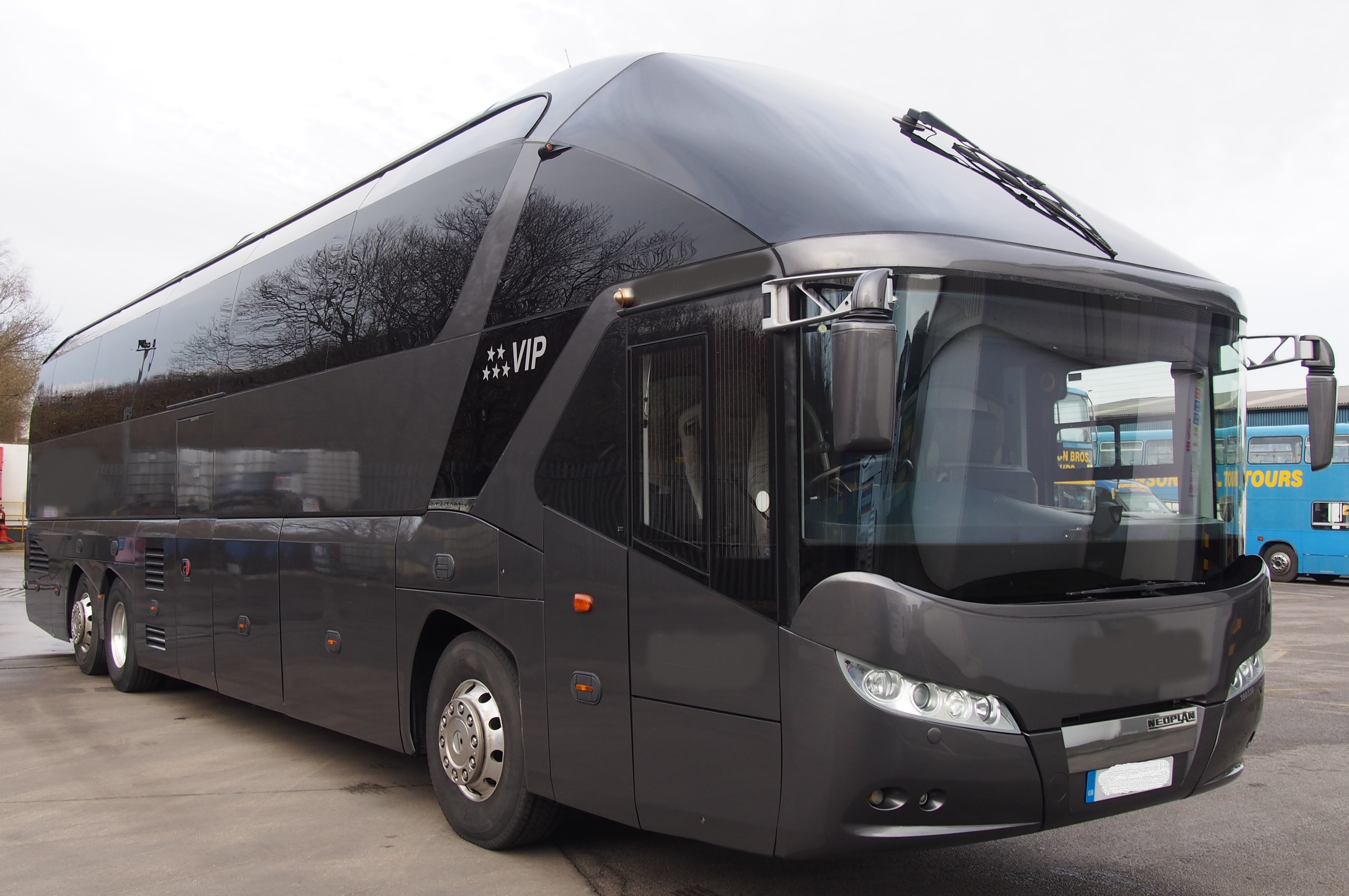 2013 MAN Neoplan Starliner � Full Team Coach Specification-image3