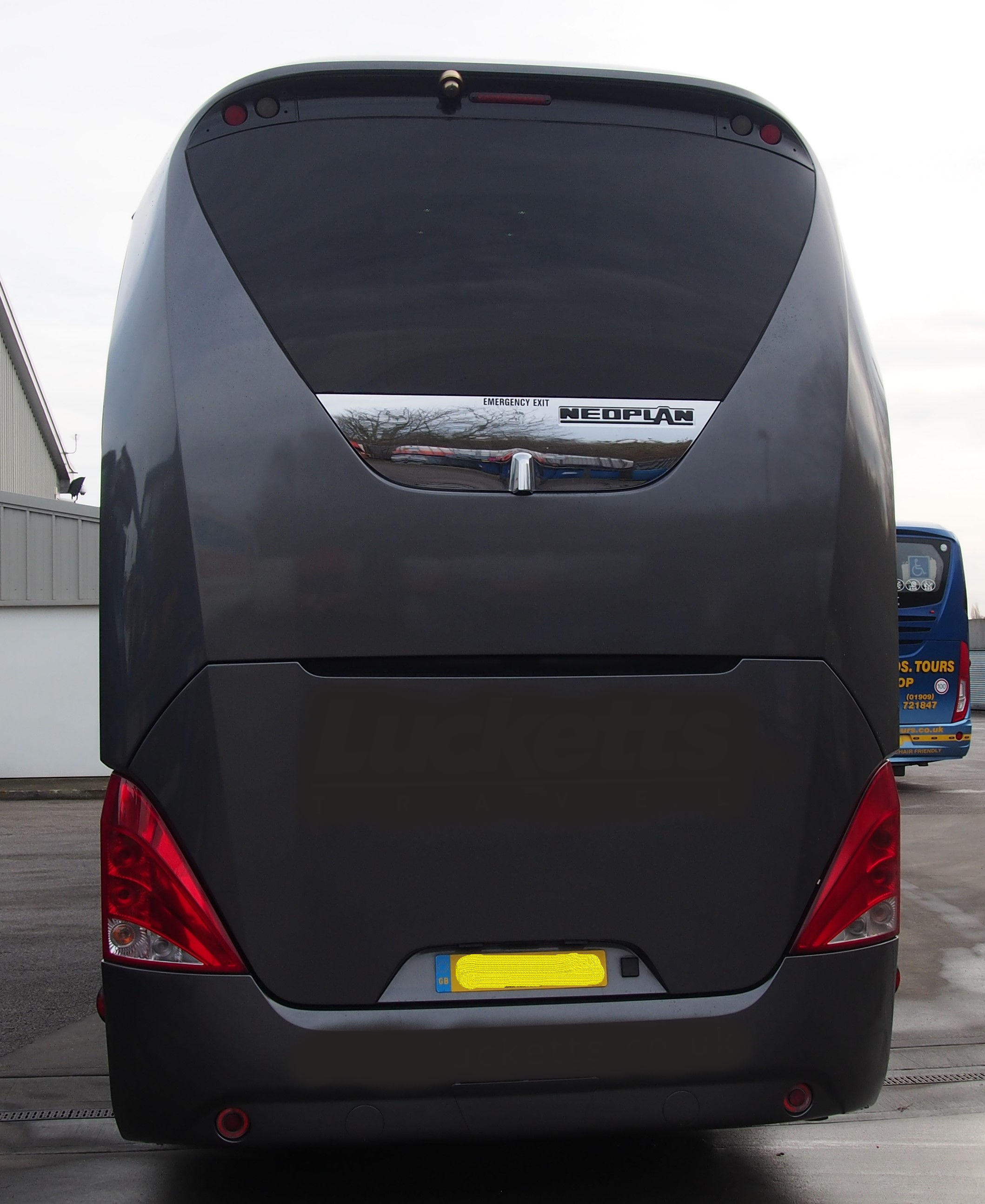 2013 MAN Neoplan Starliner � Full Team Coach Specification-image5