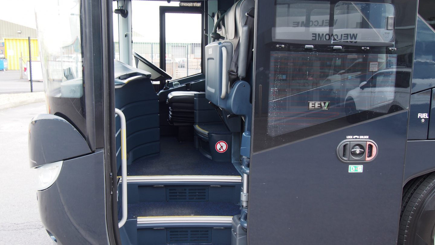 2013 MAN Neoplan Starliner � Full Team Coach Specification-image6