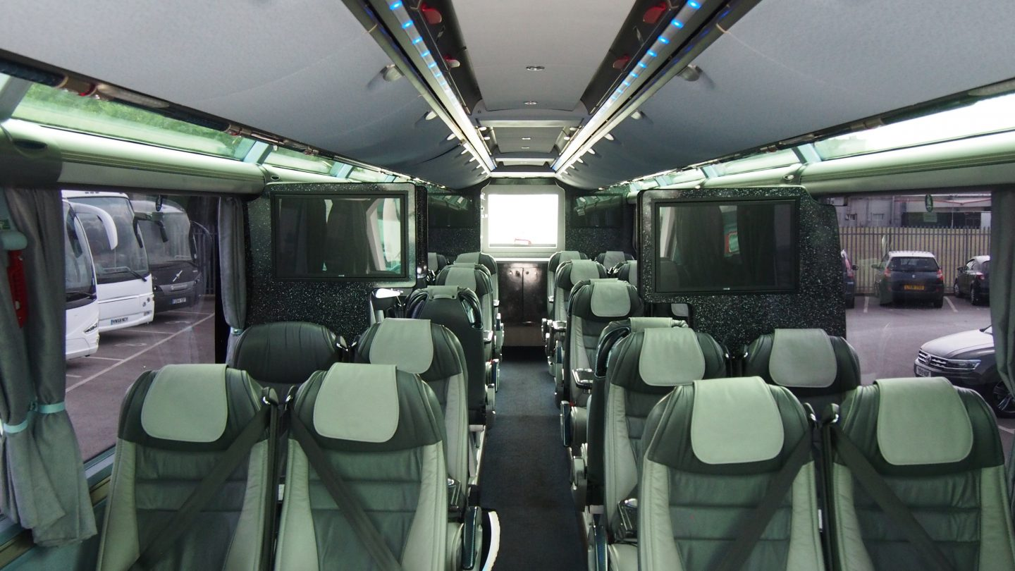 2013 MAN Neoplan Starliner � Full Team Coach Specification-image8