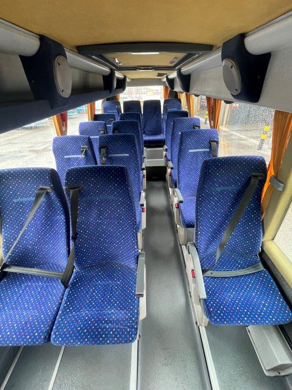2006 Ford Bonito 16 Seat Mini Coach - Image 4